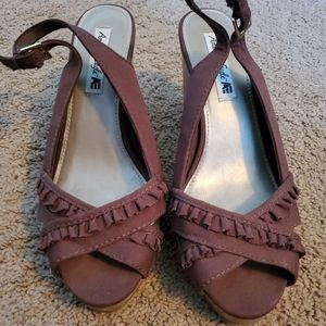 Womens American eagle 9.5w sandal high heel